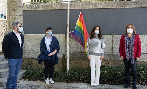 Matosinhos hasteia bandeira LGBTI